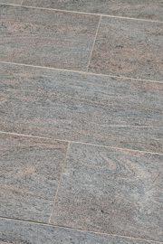 Terrassenplatte_Gneis_ASTRA