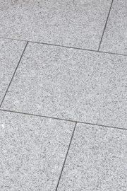 Terrassenplatten_Granit_BRAVO