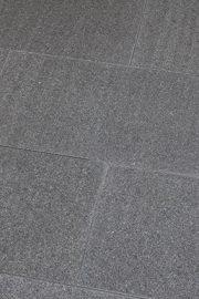 Terrassenplatten_IMPALA_BLACK_waterjet_3cm